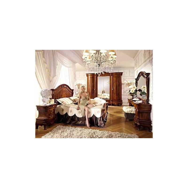 Antonelli Moravio &C Napoleone спальня